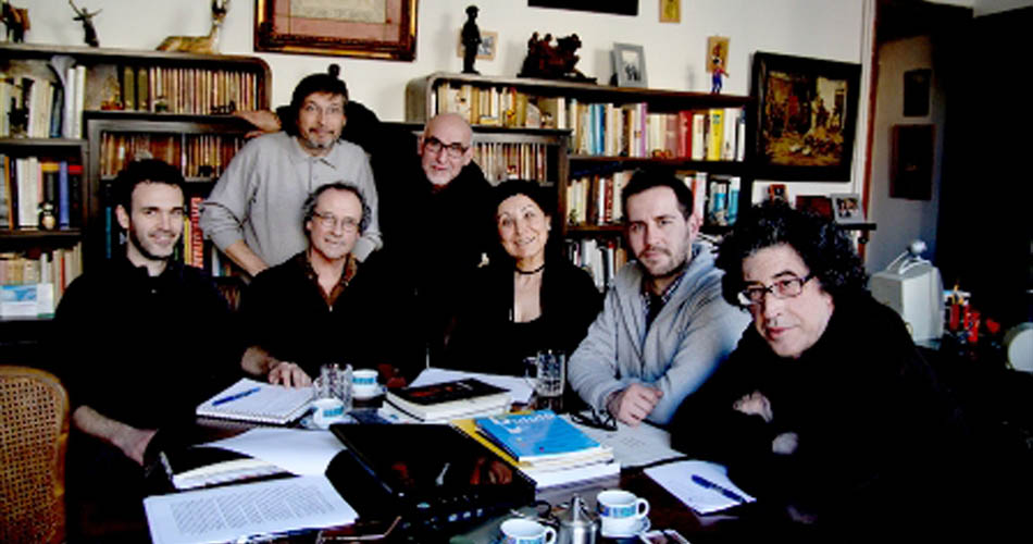 Primer Consell de Redacció (març 2012). D'esquerra a dreta: Cesc Martínez, Toni Rumbau, arriba Jesús Atienza, Víctor Molina, Maryse Badiou, Toni Galmés i Adolfo Ayuso. Foto Jesús Atienza.