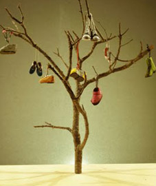 The Shoe Tree, de Pea Green Boat