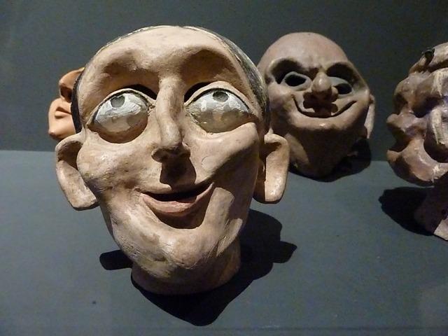 Caps de marioneta de Mariona masgrau. Museu del TOPIC de Tolosa