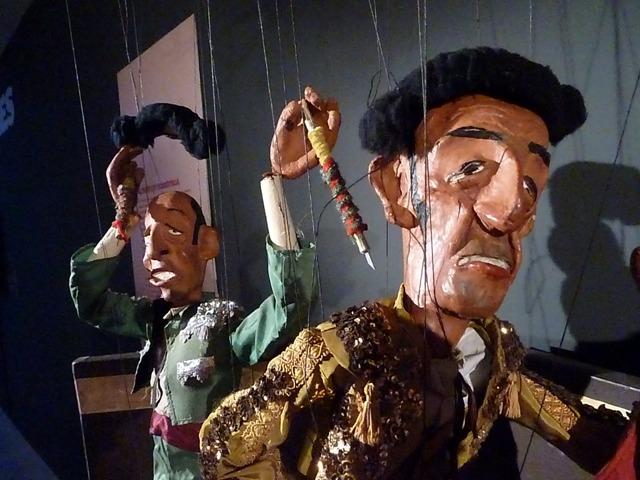 Corrida, marionetes de Carles Cañellas.