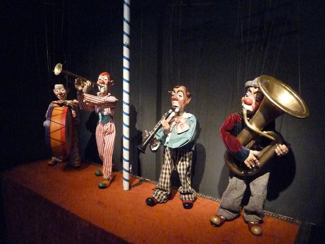 Marionetarium, Herta Frankel, Pallassos de Fusta