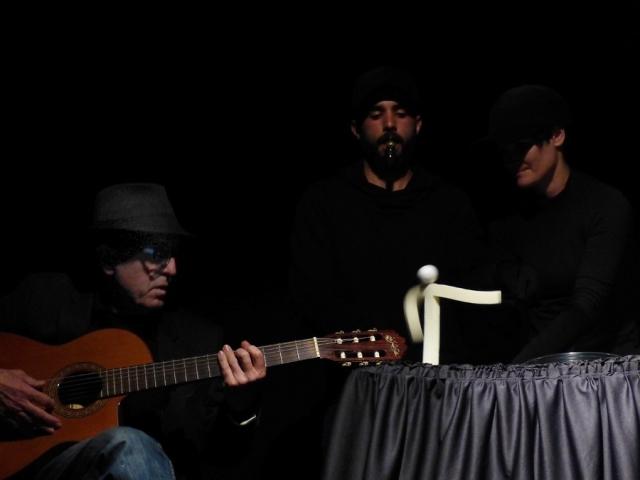 <!--:es-->Jordi Bertran: entre el fil i la guitarra. 40 anys de professió<!--:-->