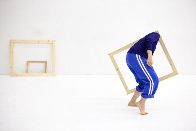 WeWood: taller laboratori de Dansa i Objectes, amb Federica Porello. Del 30 d'octubre al 3 de novembre 2017
