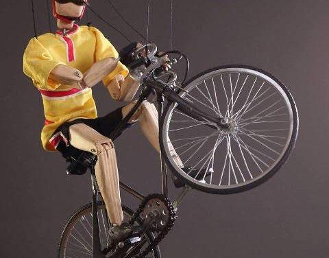 'Colgando de un hilo', de Di Filippo Marionette, a la Sala Fènix