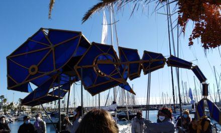 Kujira, la balena del Centre de Titelles de Lleida, Vida Aquàtica, de Ferroluar, i Enric Monfort, al Port Olímpic de Barcelona. Reis 2021