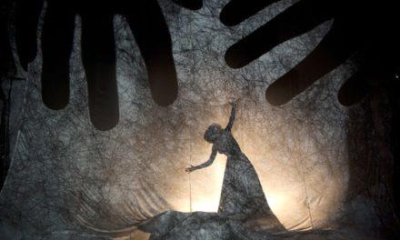 'El LABERINT. Seguint les ombres'. Taller de creació de Teatre d'Ombres amb Fabrizio Montecchi i Camille Trouvé. Atelier della Luna, Santes Creus