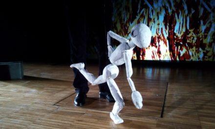 'Identitats', de Rocamora Teatre, a la Casa-Taller de Marionetes de Pepe Otal